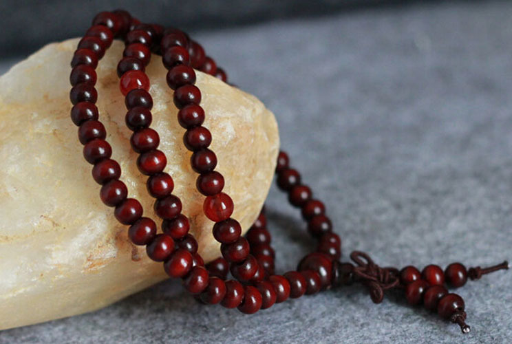 Natural 108 6mm Sandalwood Buddhist Buddha Meditation Beads Bracelets